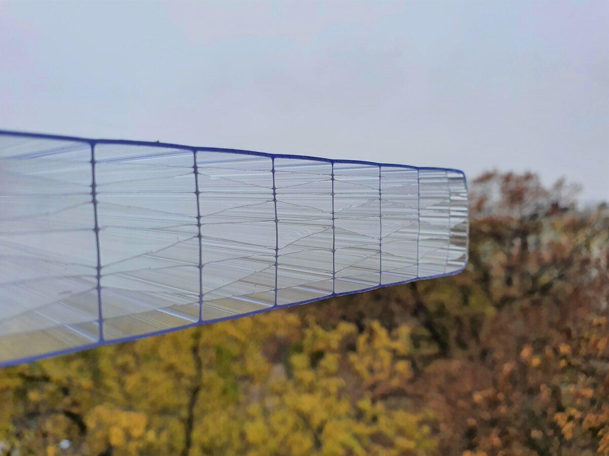 25 mm víztiszta 11X két oldalon UV védett U: 1.4 W/m2xK! (12 465 Ft+Áfa/m2)