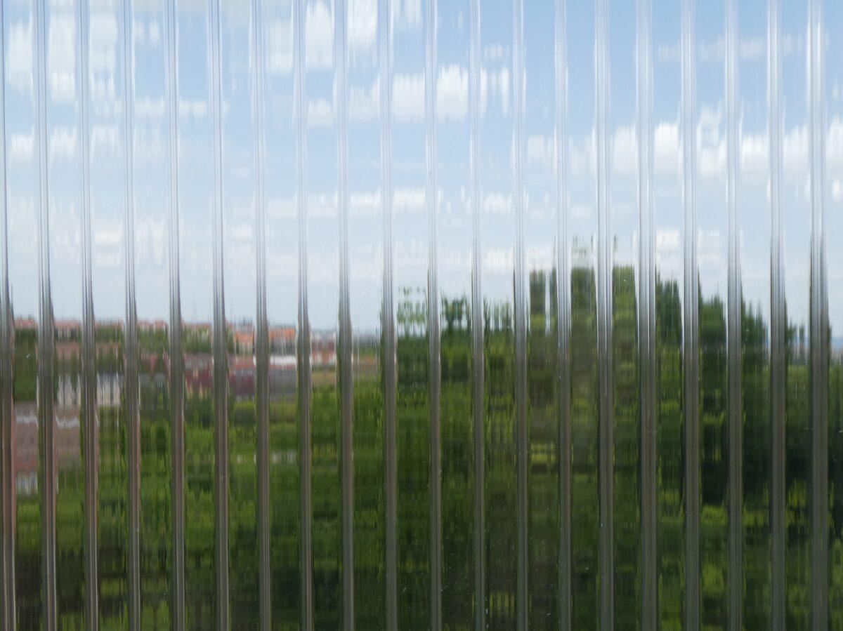 10 mm víztiszta Strong 3 falú két oldalon UV védett (4 957 Ft+Áfa/m2)