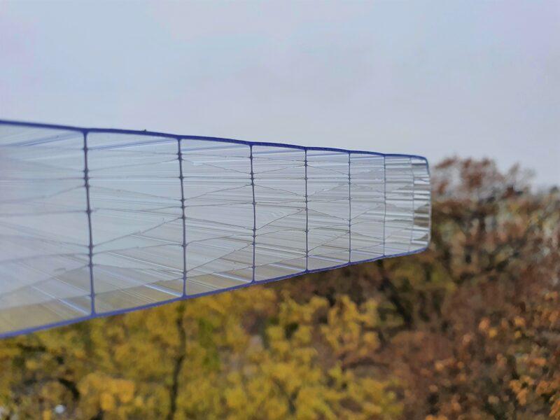 25 mm víztiszta 11X két oldalon UV védett (8 729 Ft+Áfa/m2)
