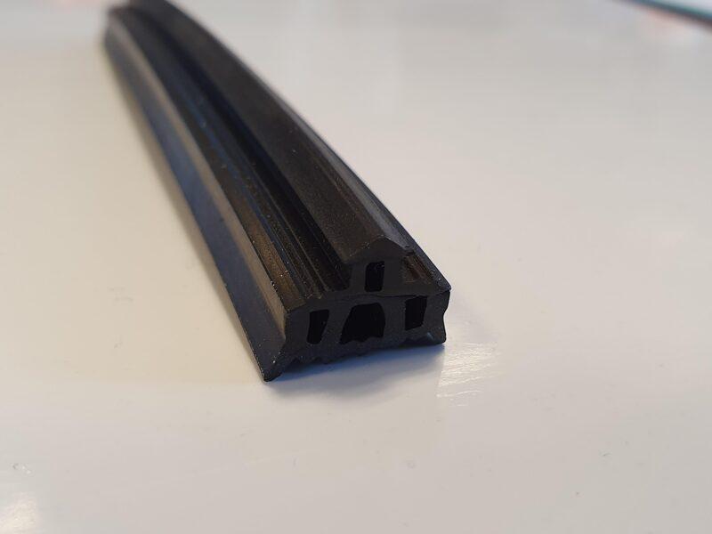 Tömítő gumi leszorító profilba - bruttó 344 Ft+Áfa/m